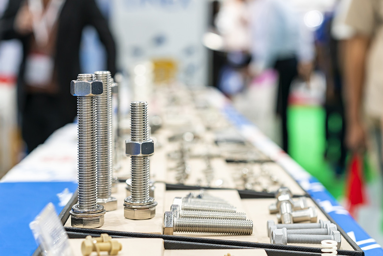 Threaded fasteners - Nuts & bolts