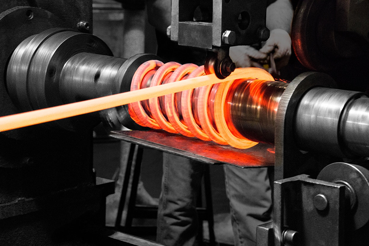 Custom component manufacturing - Hot winding compression coils