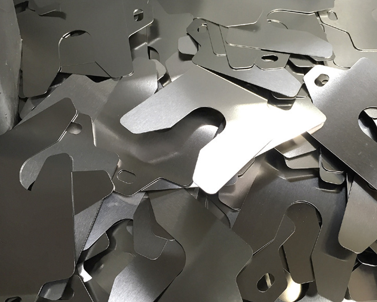 MW Components - industrial shims