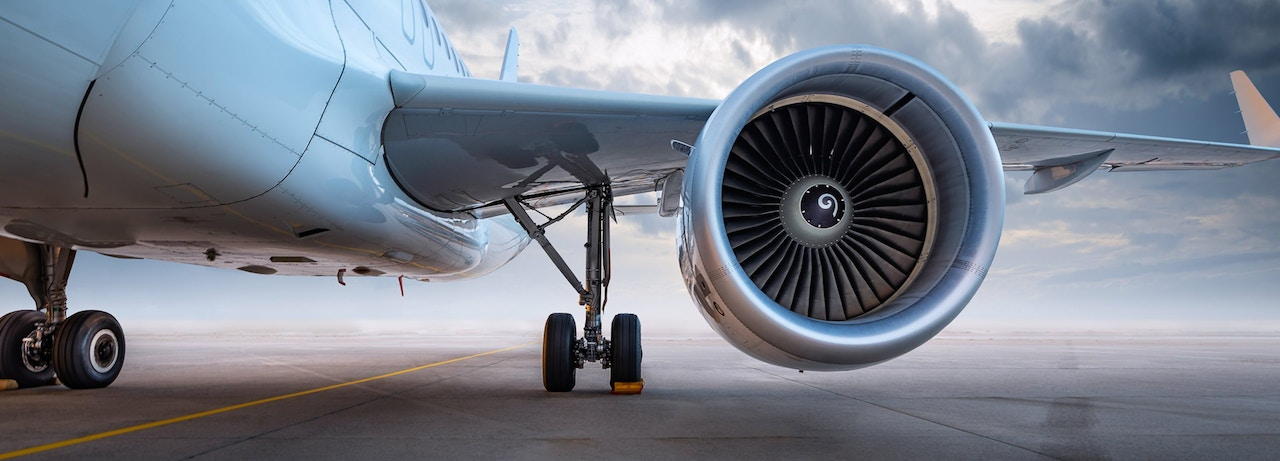 Custom aerospace manufacturing - Plane engine parts & console components